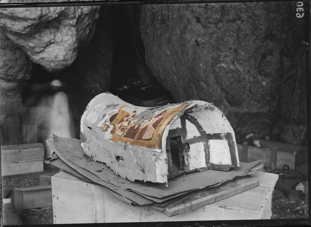 The cabin fragments modeled onto the historical photo. Museo Egizio, Nicola Dell'Aquila and Alice Salvador.