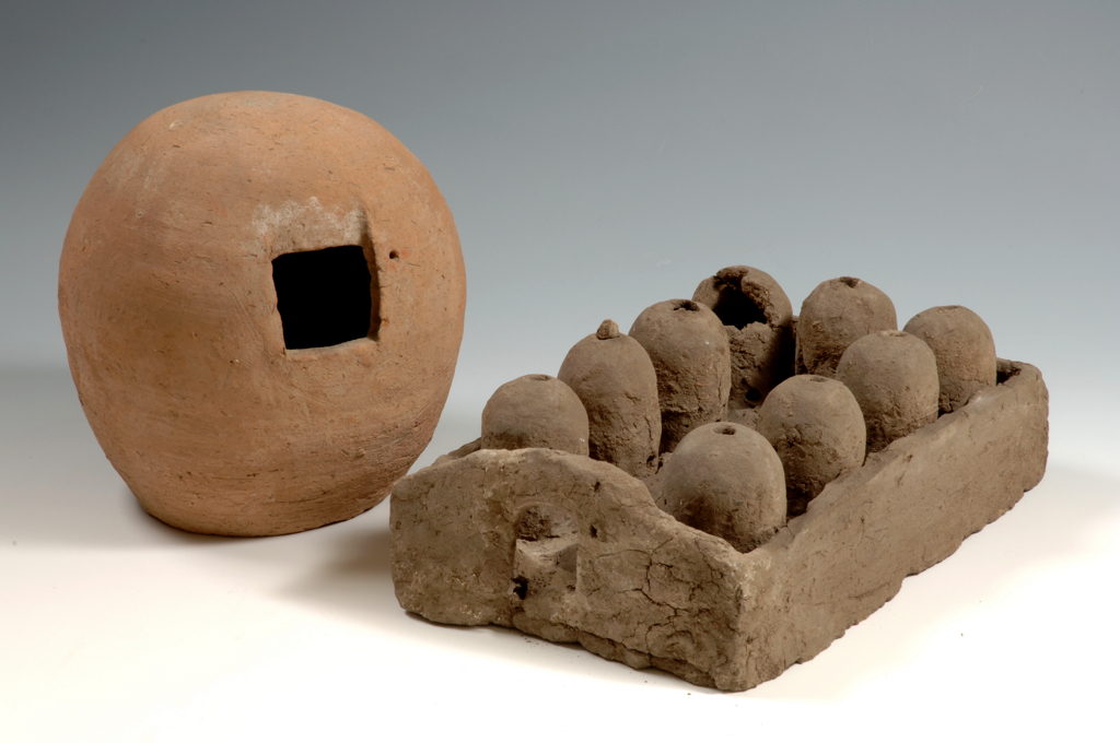 Clay models of granaries, from Gebelein, 1910 and 1914 excavations. Museo Egizio, S. 11960, S. 15802.